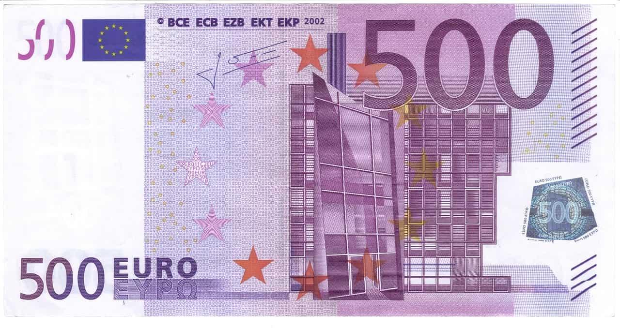 Le budget annuel de formation est de 500 euros-min